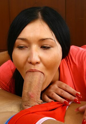 Cum bucket sticky creampie isn't a thing that can scare raven-haired Russian chick