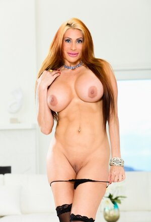 Delicious diva loves cock-riding so much that makes man cum in cowgirl level